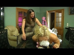 Emilia&Flossie lezzy mom on video